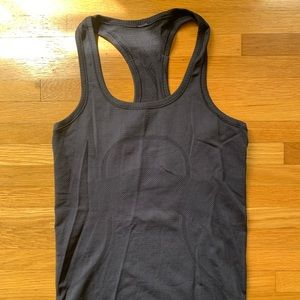 Lululemon Swiftly Tank Navy Size 4